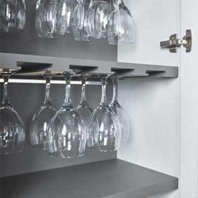 Almacenaje copas en cocina