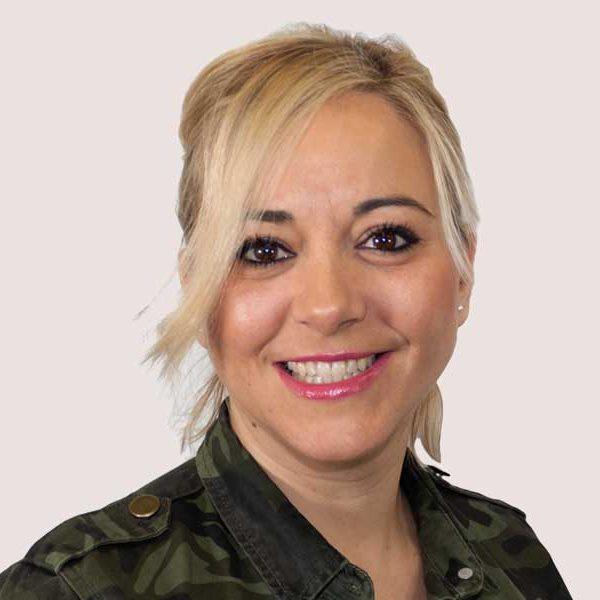 Raquel experta en diseño de muebles de cocina en madrid